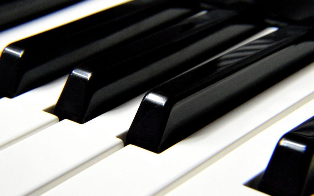 Har du lyst til å spille på et parkert piano?